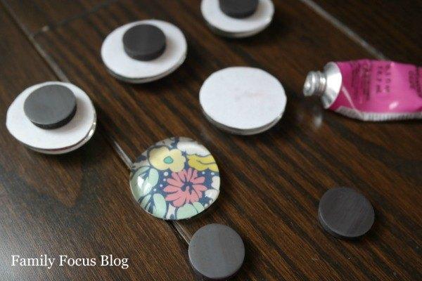 Diy glass gem magnets hometalk for Glass jewels for crafts