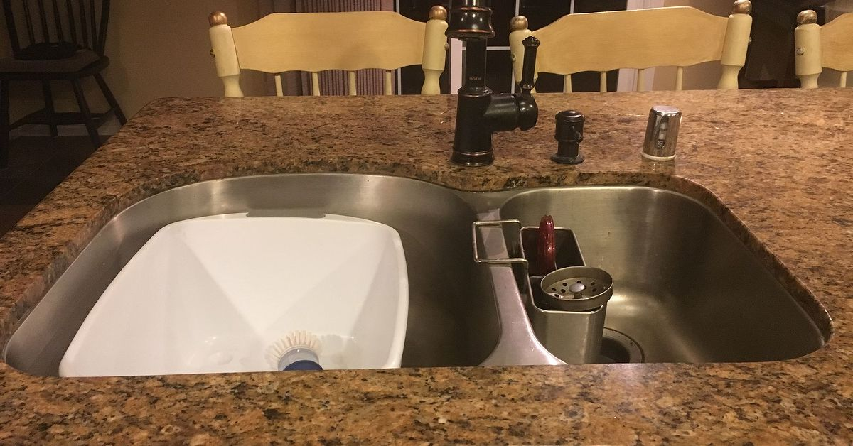 Need ideas for a backsplash for a center island sink - Kitchen island ideas with sink ...