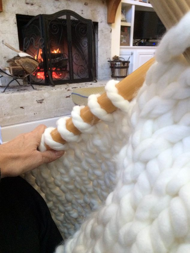 Knit A Thick Cozy Chunky Diy Blanket In One Day