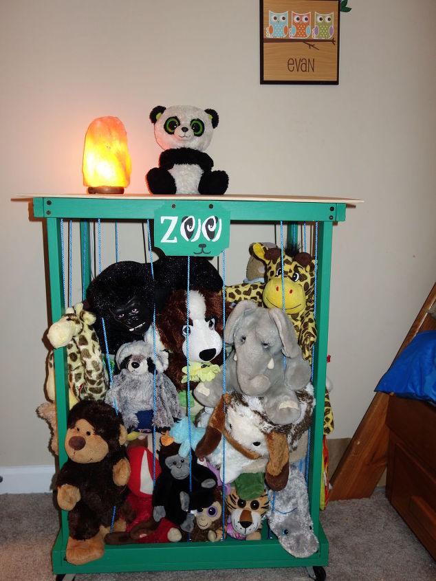 Zoo Stuffed Animal Storage Side Table Organization