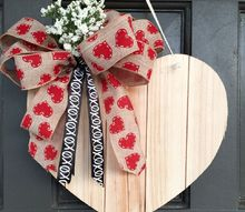 simply homemade door hanger, seasonal holiday decor, valentines day ideas, wreaths