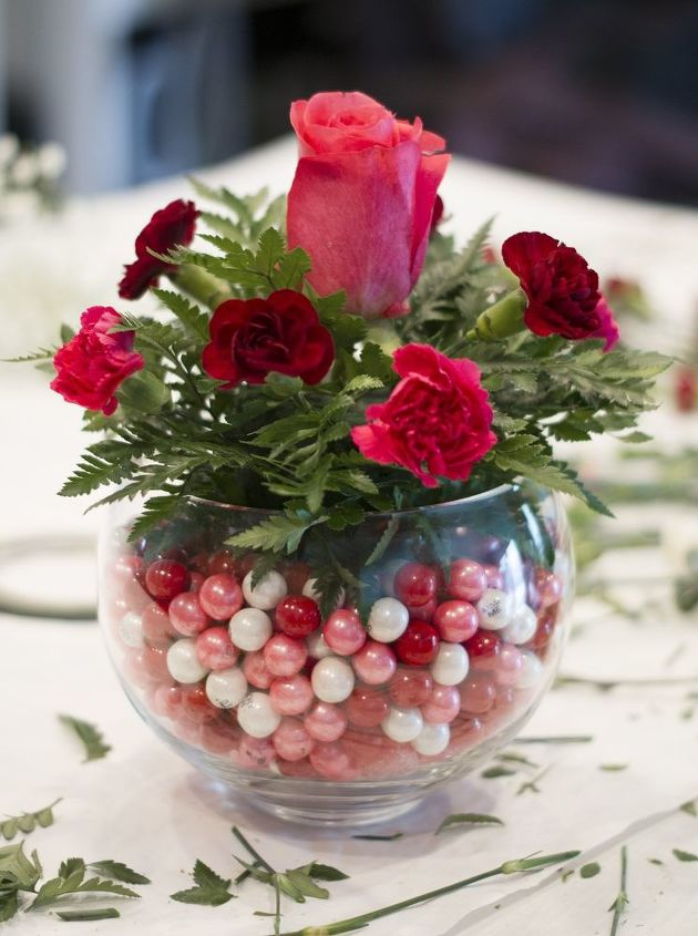 Diy bubblegum bowl valentine centerpiece hometalk