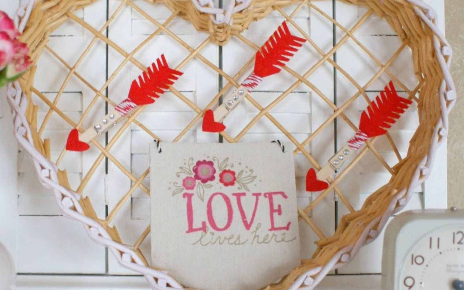 s how 13 dumpster divers decorate for valentine s day, repurposing upcycling, seasonal holiday decor, valentines day ideas, Cute Cupid s Arrow Wreath from a Basket