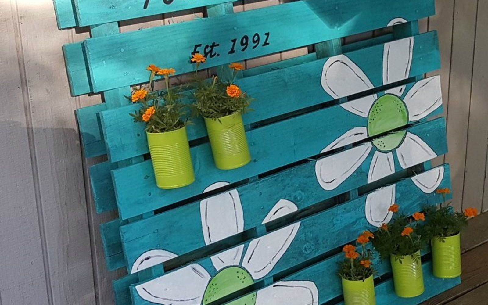 s 18 incredibly easy ways to use the entire pallet, pallet, Make standing planter art