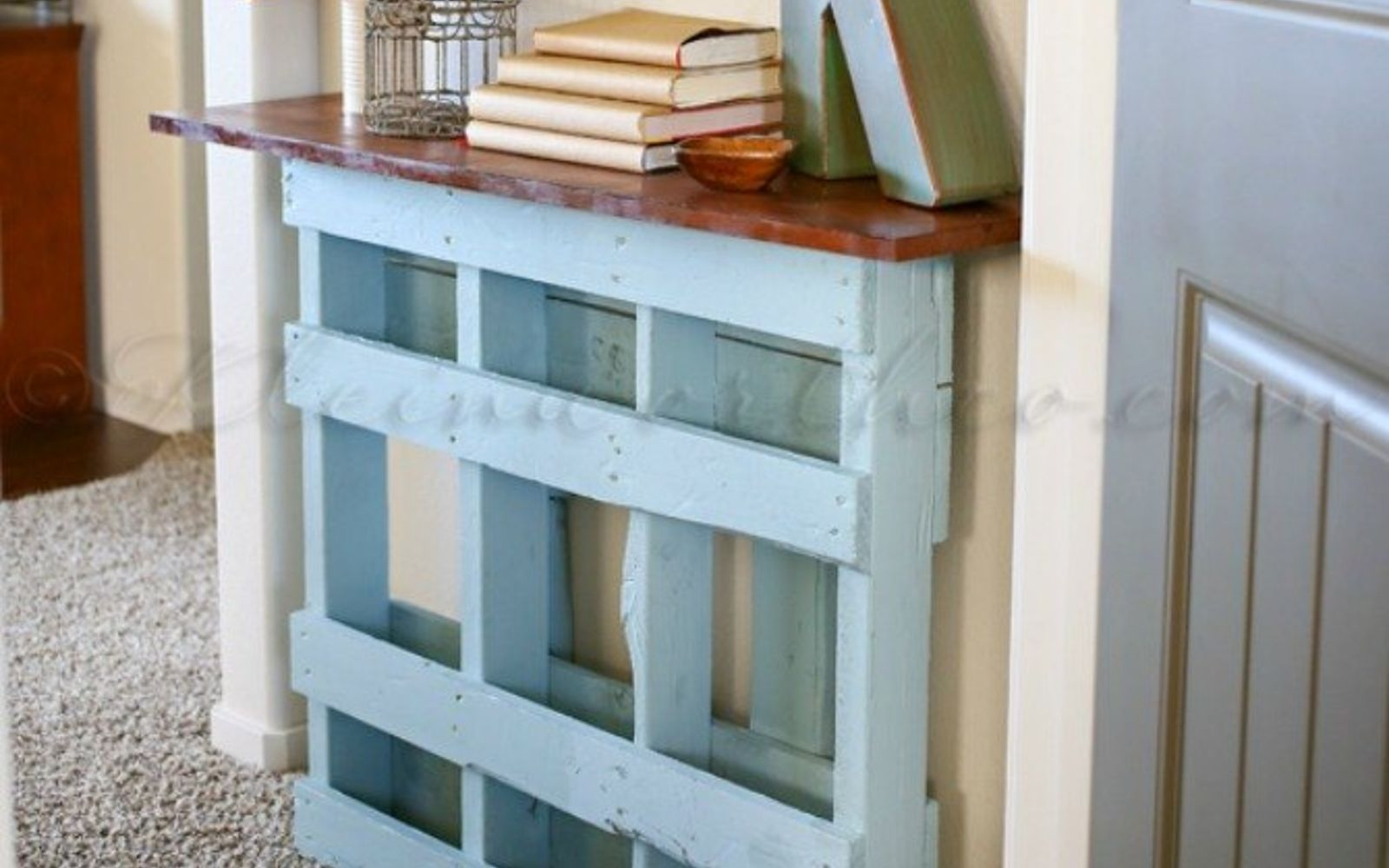 s 18 incredibly easy ways to use the entire pallet, pallet, Stand one in the entryway as a console table