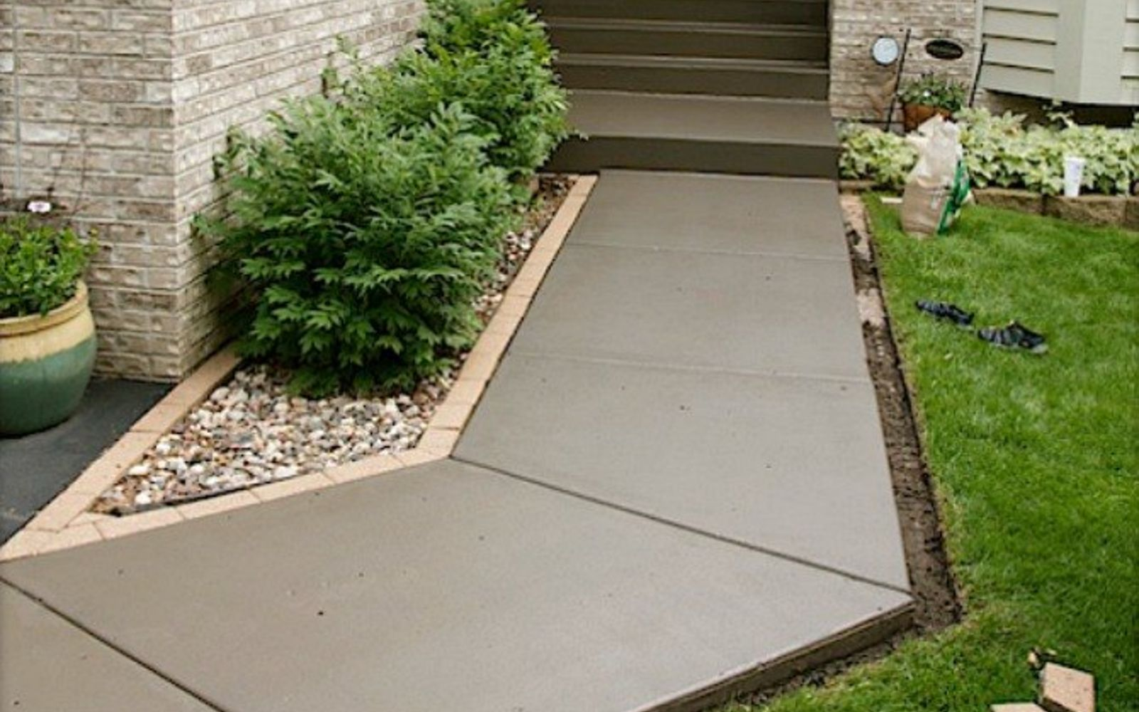 9 Budget Ways to Make Your Walkway Look Even Better Than ...