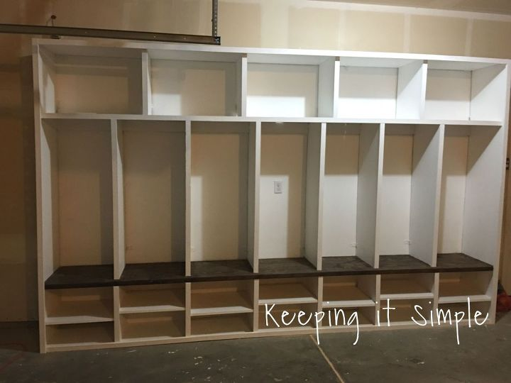 Diy garage mudroom lockers with lots of storage for Building a mudroom bench