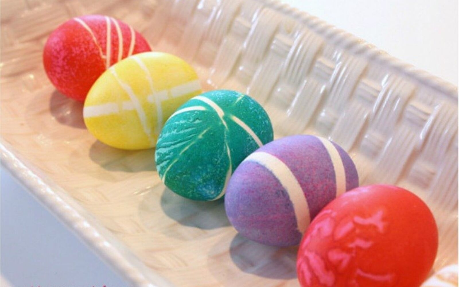 s 23 totally different ways to decorate real eggs this easter, crafts, easter decorations, Wrap them in rubber bands before dying