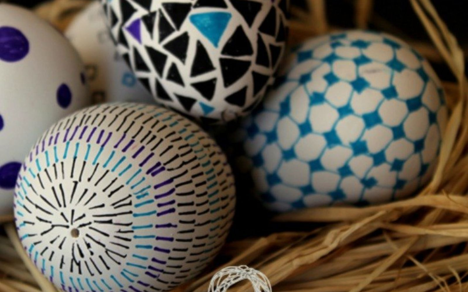 s 23 totally different ways to decorate real eggs this easter, crafts, easter decorations, Use fine point Sharpies for delicate designs