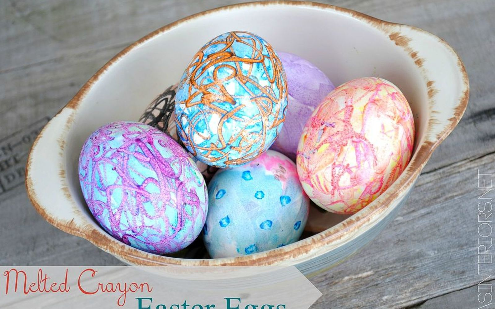 s 23 totally different ways to decorate real eggs this easter, crafts, easter decorations, Draw straight on warm eggs with wax crayons