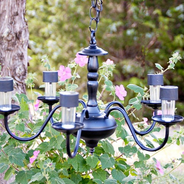 13 Spectacular Things To Make For Your Yard Using 1 Solar