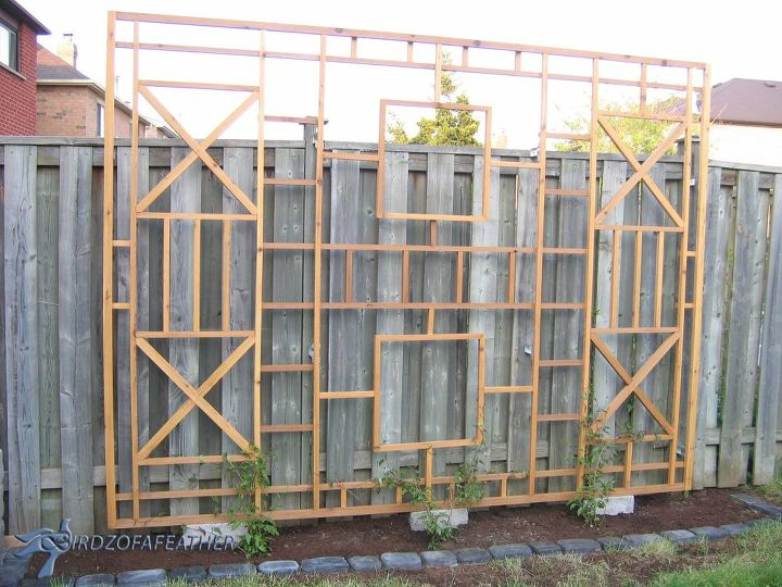 Build a trellis and privacy screen hometalk for How to build a lattice screen fence