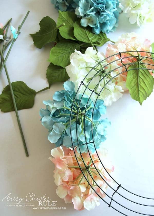 Easy diy hydrangea wreath hometalk for Spring craft shows near me