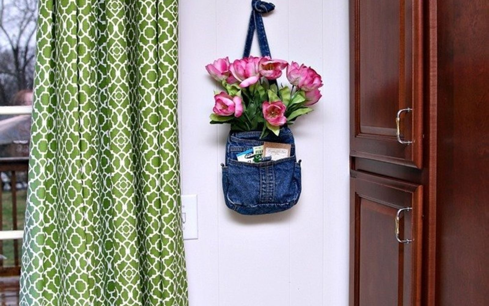 s these are the hottest diy spring trends of 2016, crafts, seasonal holiday decor, Reuse old bags and purses on your walls