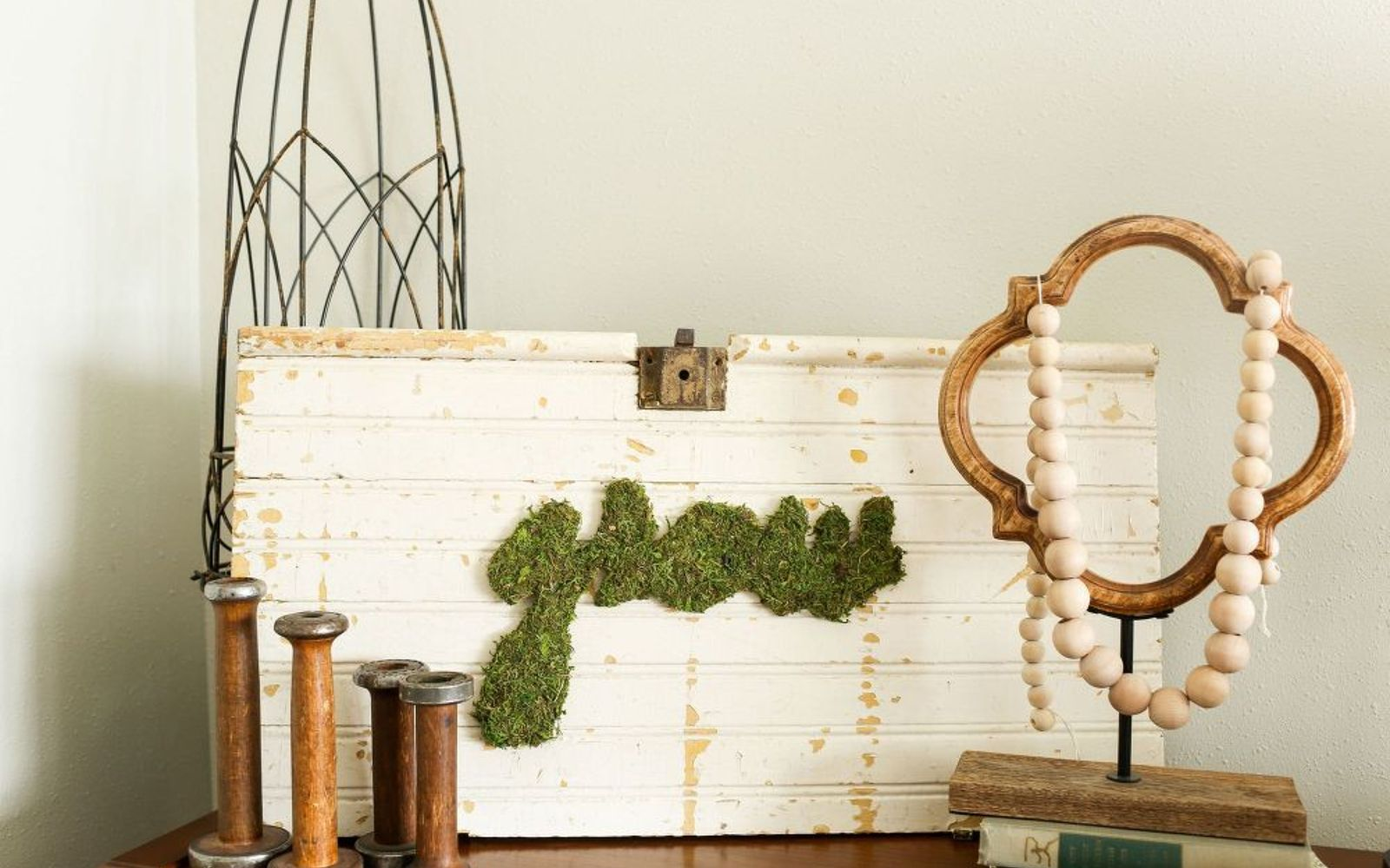 s these are the hottest diy spring trends of 2016, crafts, seasonal holiday decor, Write messages with moss