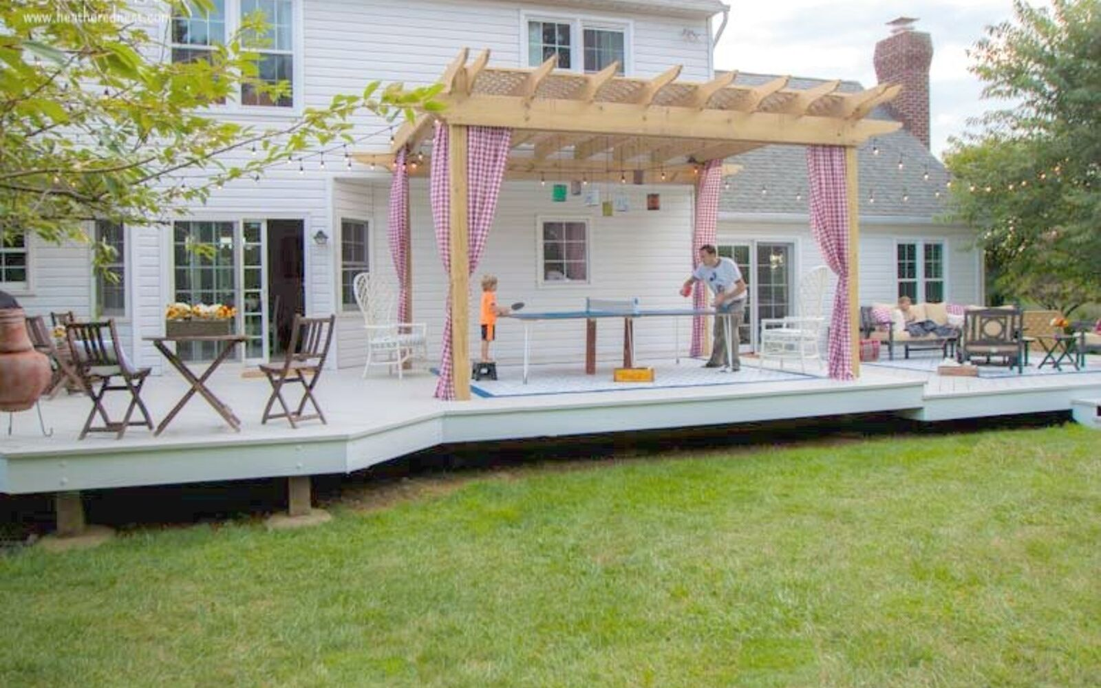 s 11 tips tricks for making your diy deck look amazing, decks, Toss the railings for an accessible open deck
