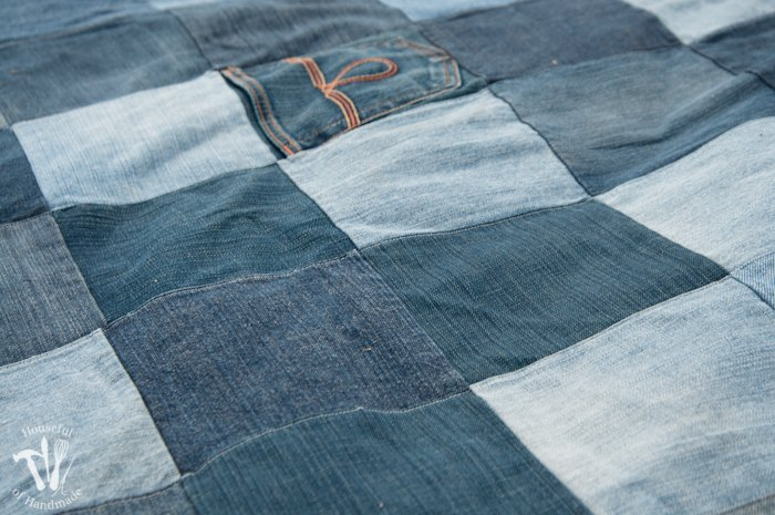 Make An Awesome Water Resistant Picnic Blanket From Old