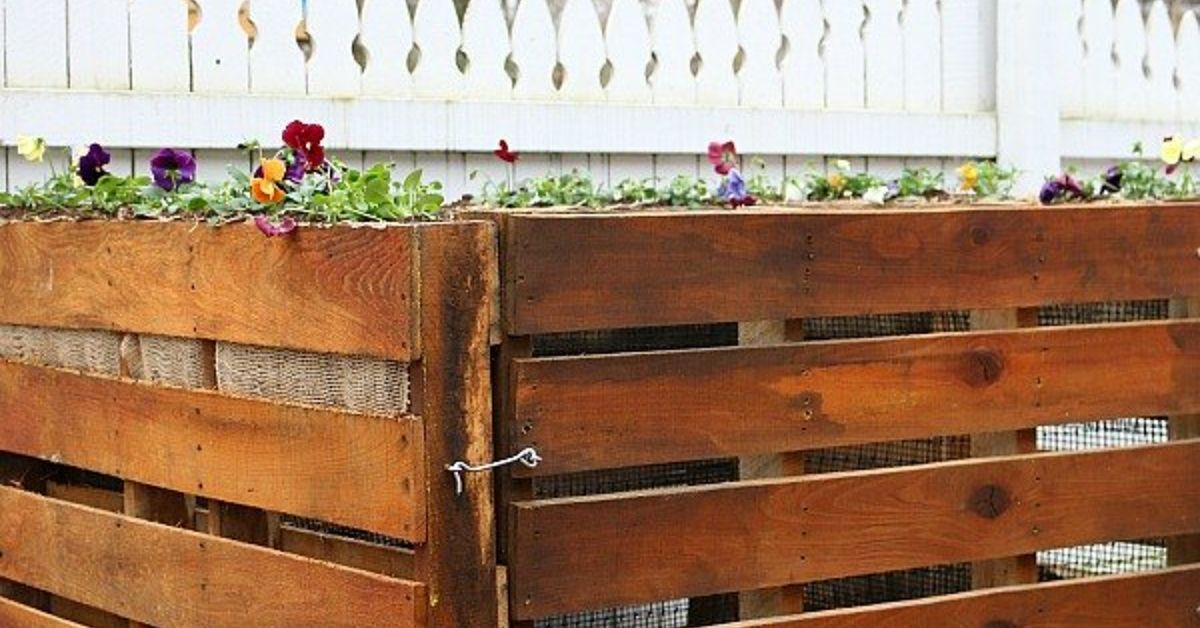 How to Build a Wooden Pallet Compost Bin in 6 Easy Steps ...