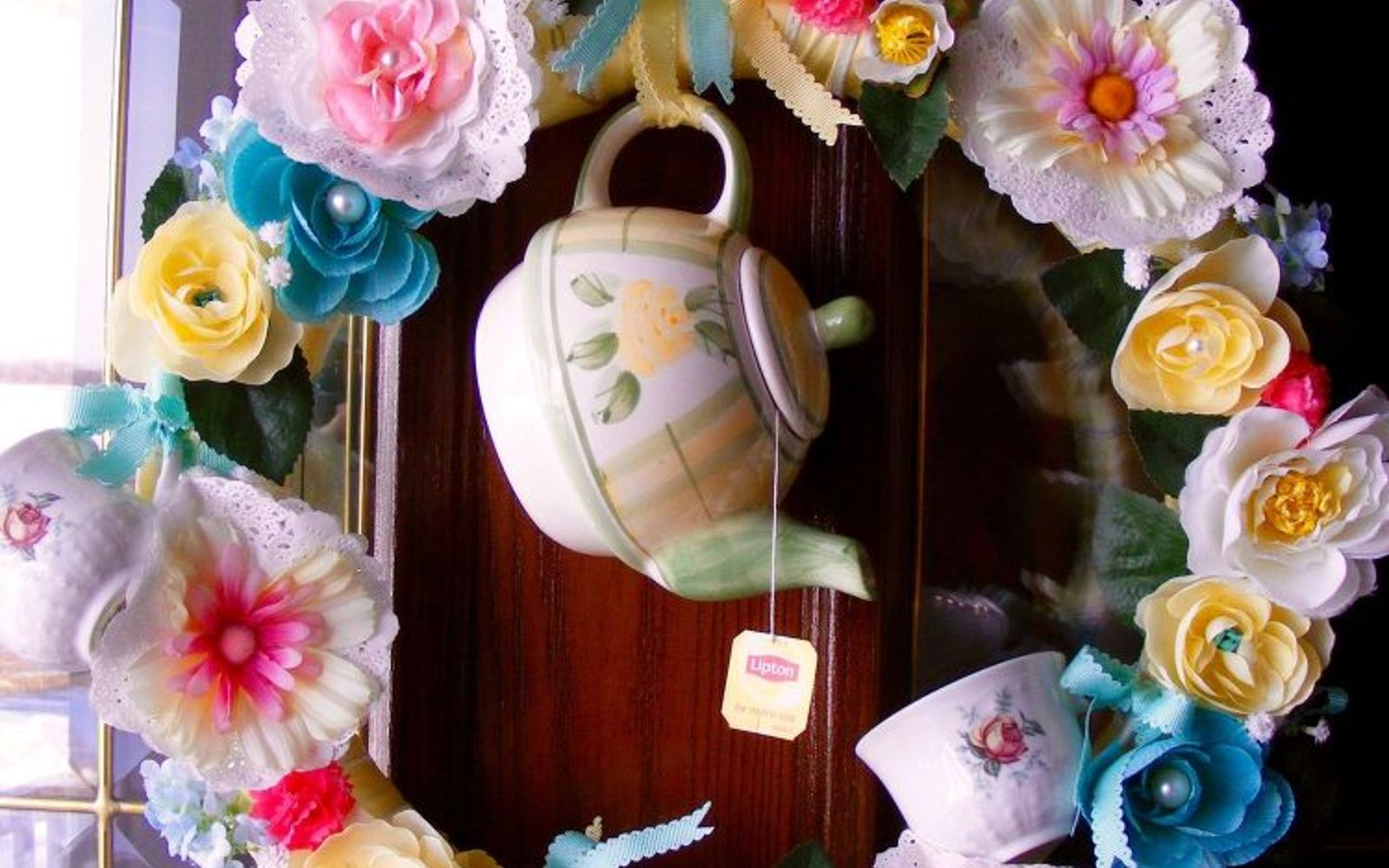 s don t ditch your broken teacups til you see what people do with them, repurposing upcycling, Tie a few to an adorable wreath