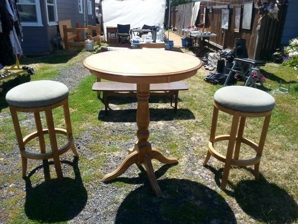 Yard sale pub table and stools makeover hometalk for Furniture yard sale