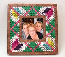 1 cross stitched picture frame, crafts