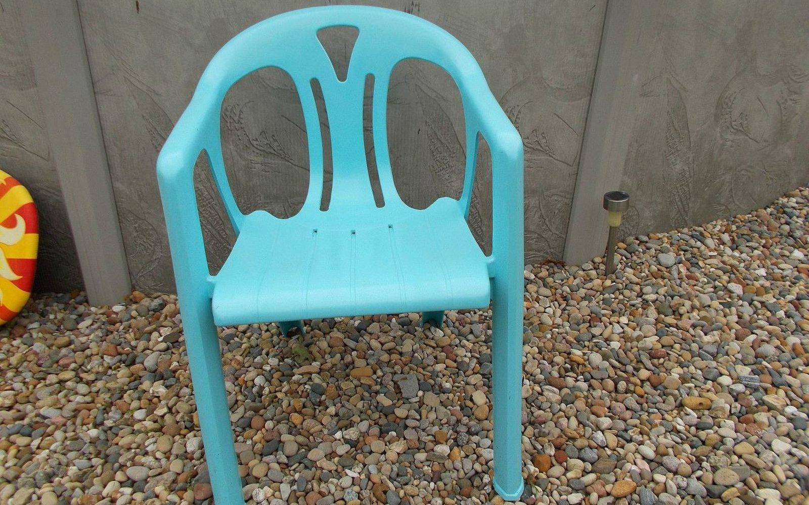 s 12 pool chair ideas we never would have thought of, painted furniture, pool designs, Get trendy with a turquoise paint job