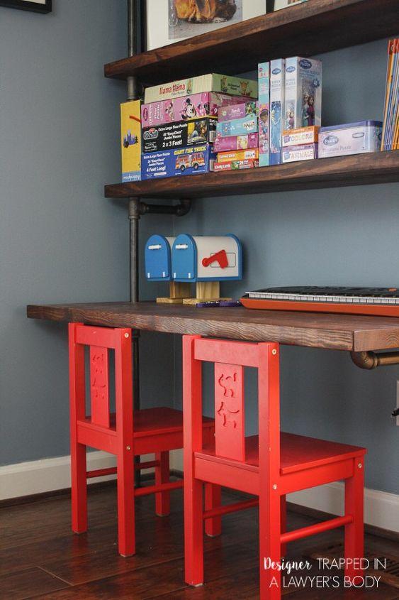 DIY Pipe Bookshelves AND Desks Hometalk - Pipe bookshelves