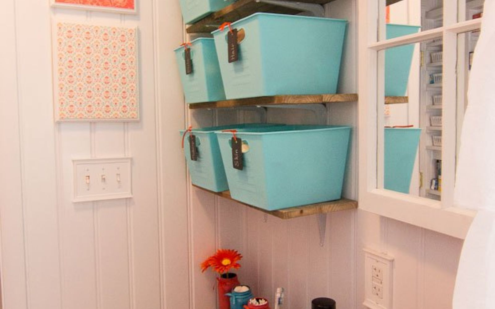 s 11 actually helpful tricks for decorating a small bathroom, bathroom ideas, Make the room bigger with beadboard wallpaper