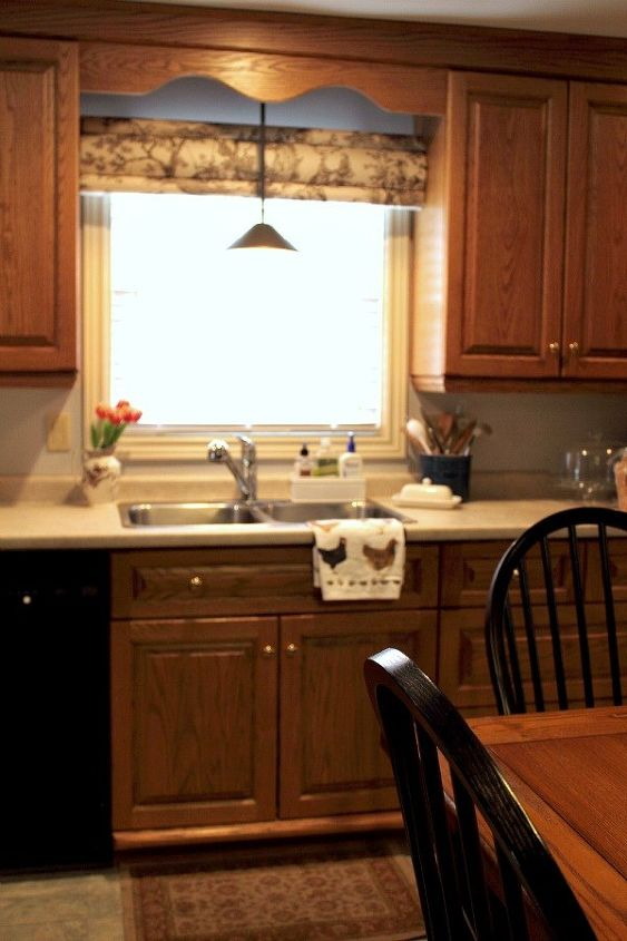 How To Update Those Old Kitchen Cabinets Kitchen Cabinets Kitchen Design Painting