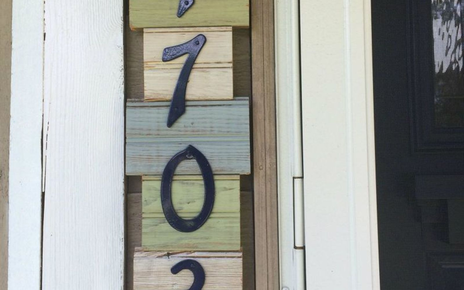 s 11 gorgeous address signs that ll make neighbors stop in admiration, crafts, curb appeal, outdoor living, Make a vertical house sign from scrap wood