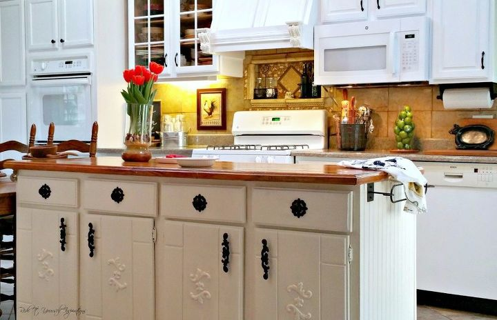 A craigslist kitchen redo hometalk for Redo old kitchen cabinets