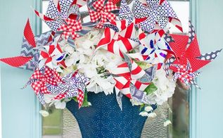 pinwheel door decoration , crafts, doors, patriotic decor ideas, seasonal holiday decor