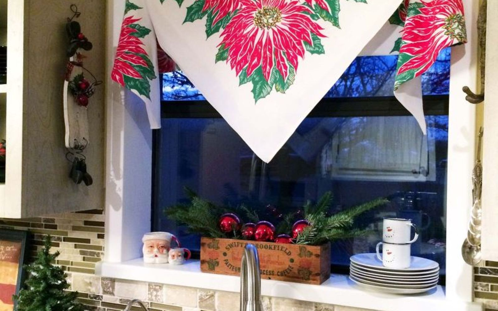 s 9 genius decorating hacks using tablecloths, repurposing upcycling, Turn a tablecloth into an easy window curtain
