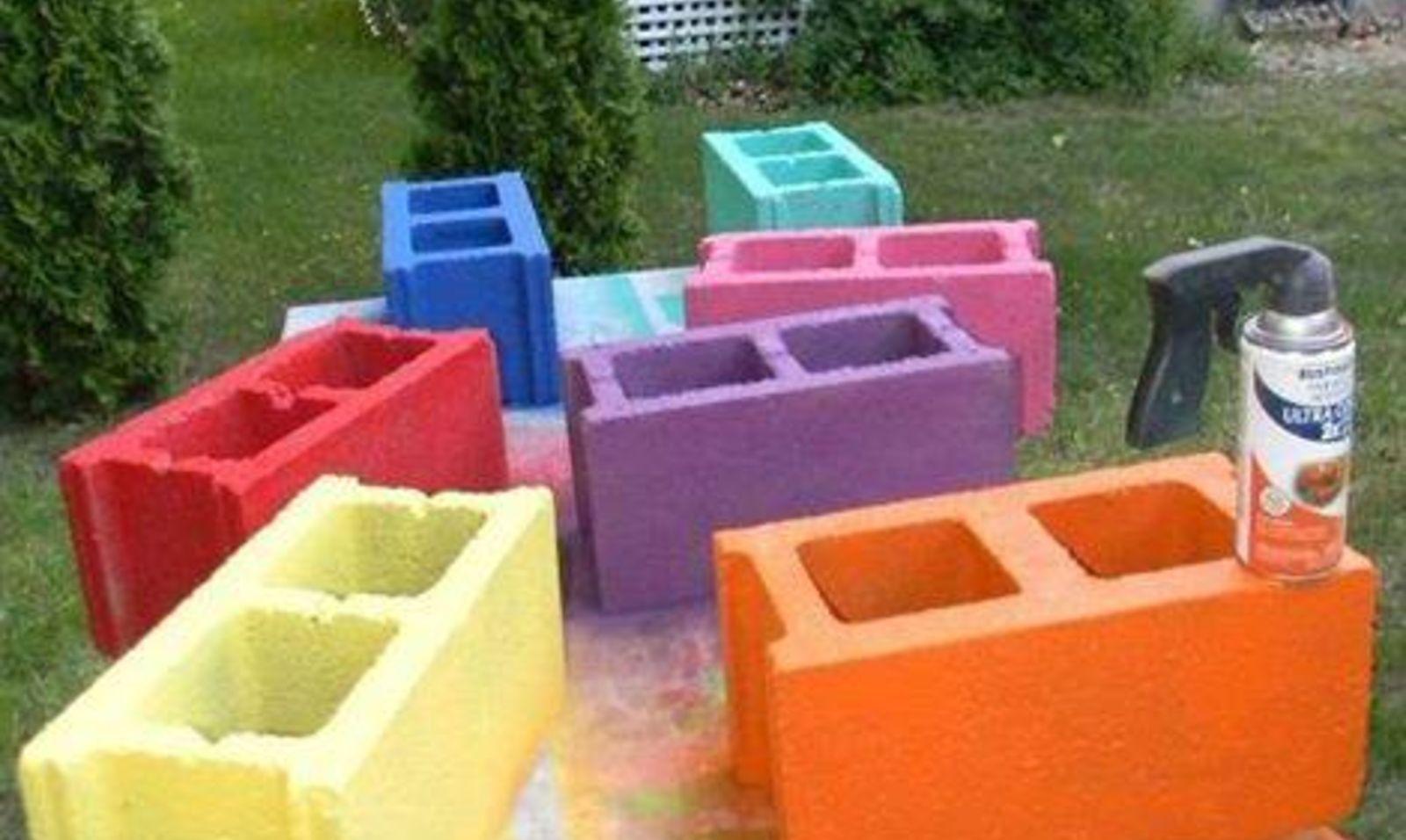 10 genius ways to use cinder blocks in your garden hometalk for Painting cinder blocks for garden