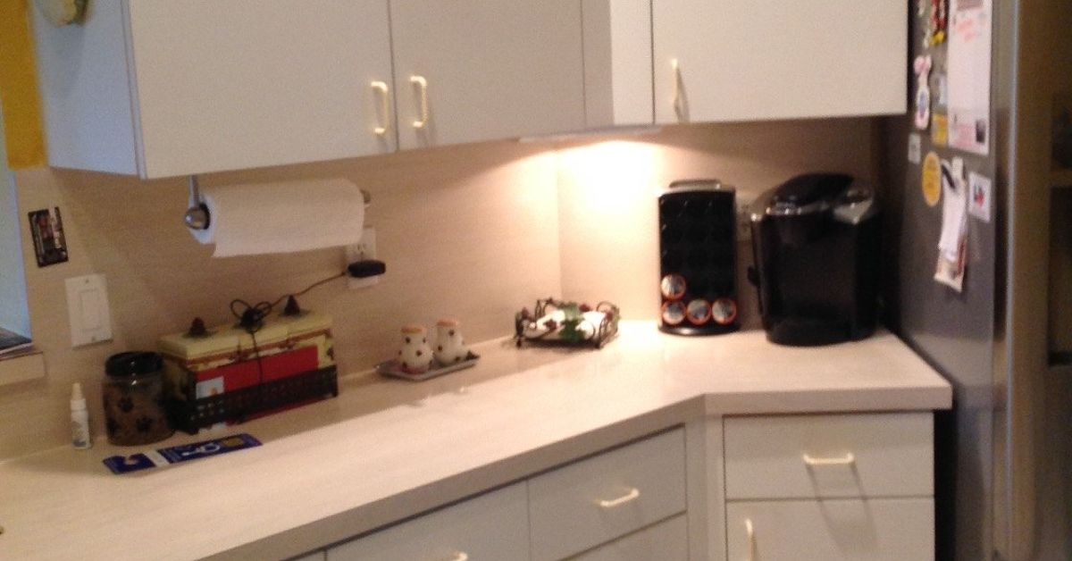 How can i update my plain white formica cabinets plz help for Can you paint formica kitchen cabinets