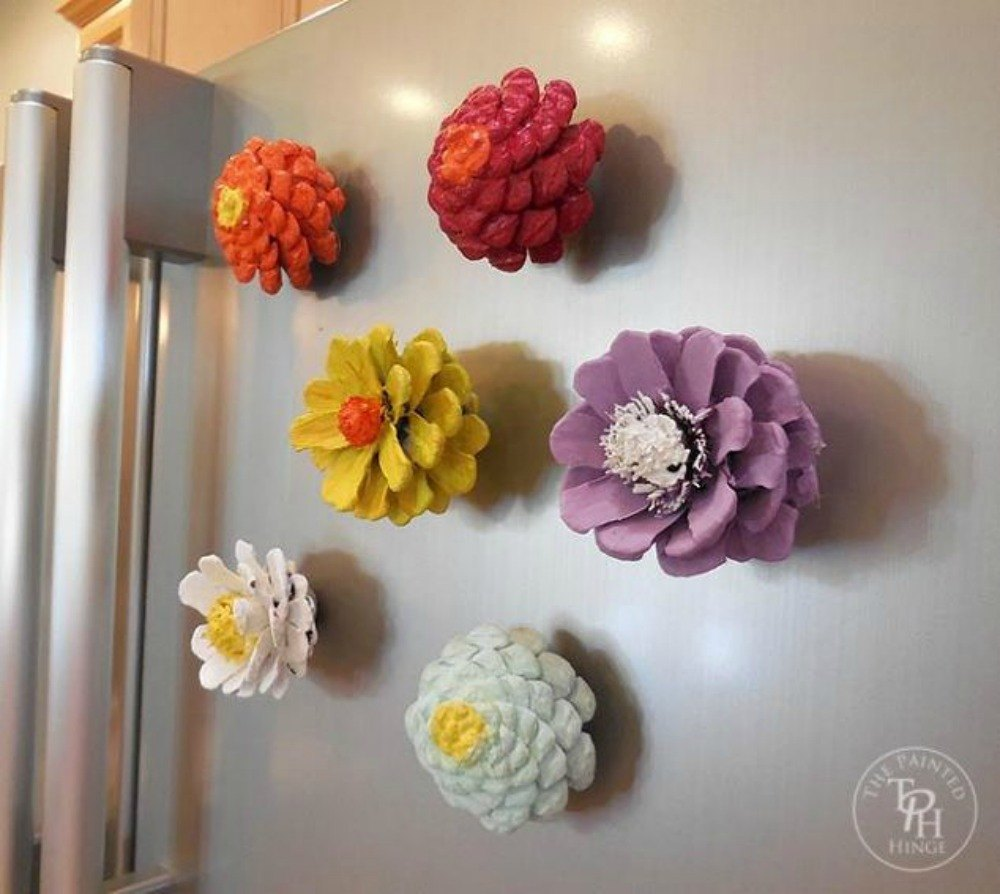 These Cut Up Pine Cone Decor Ideas Are Perfect For Fall