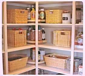 Make A Lazy Susan To Easily See Everything