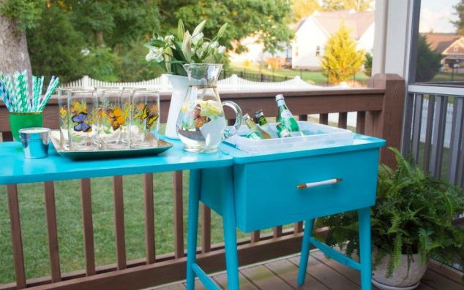 s 12 wildly creative ways to use your old sewing table, painted furniture, Reconstruct it into a super drink bar