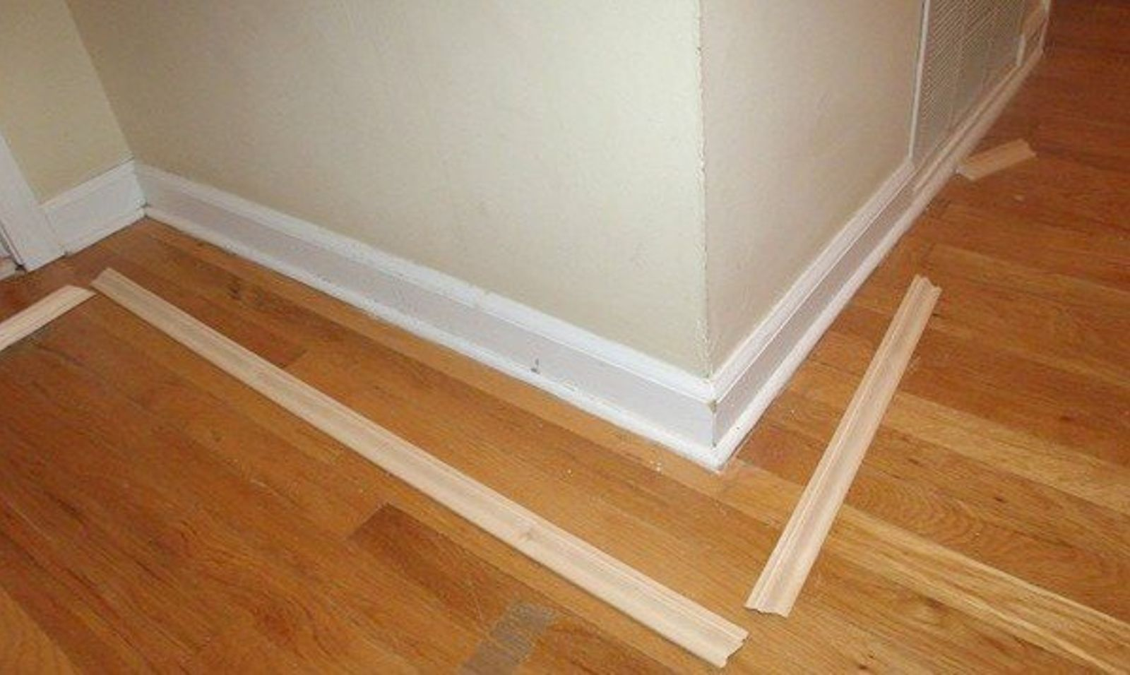9 Tricks to Turn Builder Grade Baseboards Into Custom Made Beauties | Hometalk