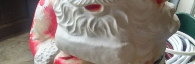 q vintage outdoor santa needs paint, christmas decorations, outdoor furniture, painted furniture, painting over finishes, seasonal holiday decor