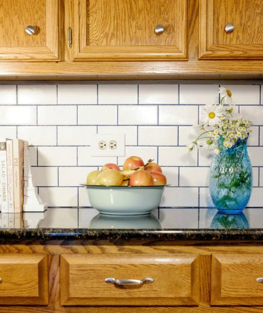 11 Gorgeous Ways to Transform Your Backsplash Without Replacing It ...