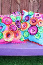 no sew flower pillows, crafts, living room ideas