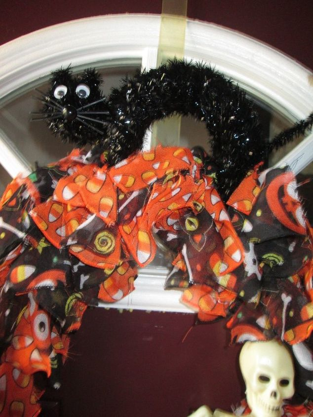 halloween at the dollar store made simple halloween decorations seasonal holiday decor - Halloween Decorations Store