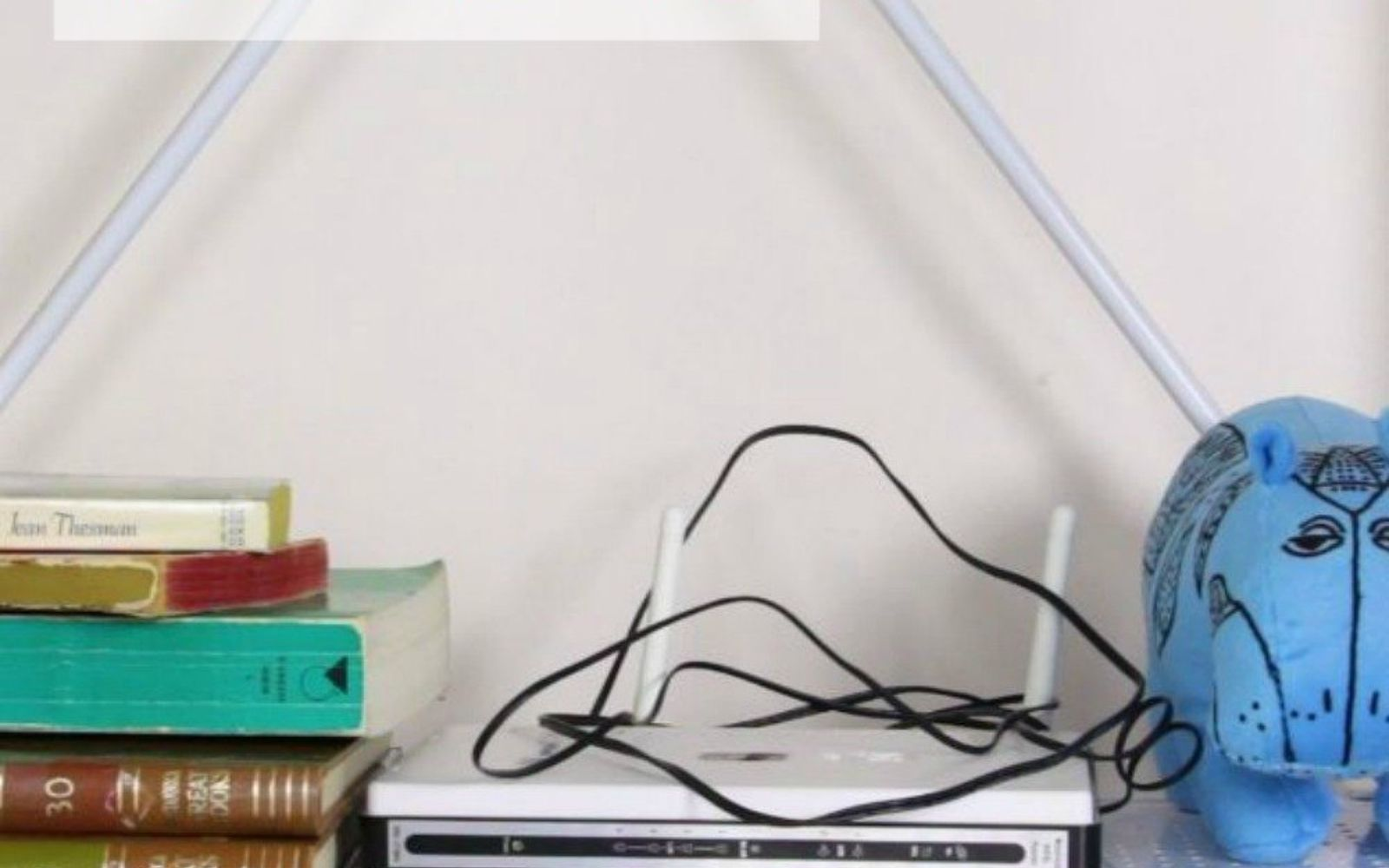 s hide your home s eyesores with these 11 brilliant ideas, home decor, The eyesore An internet router