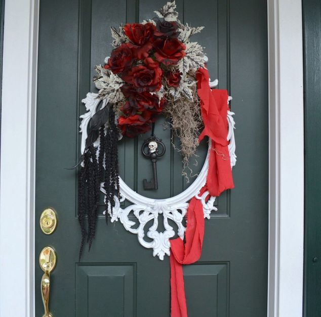 use a picture frame to create this elegant halloween wreath crafts halloween decorations
