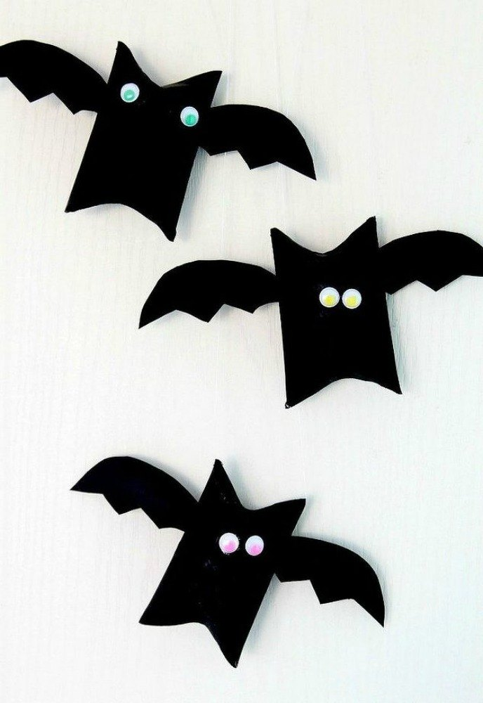 fold tubes into flying bats - Halloween Decorations Bats