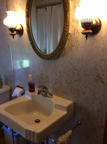 Does anyone have an idea of how i should redo my bathroom for Redoing bathroom walls