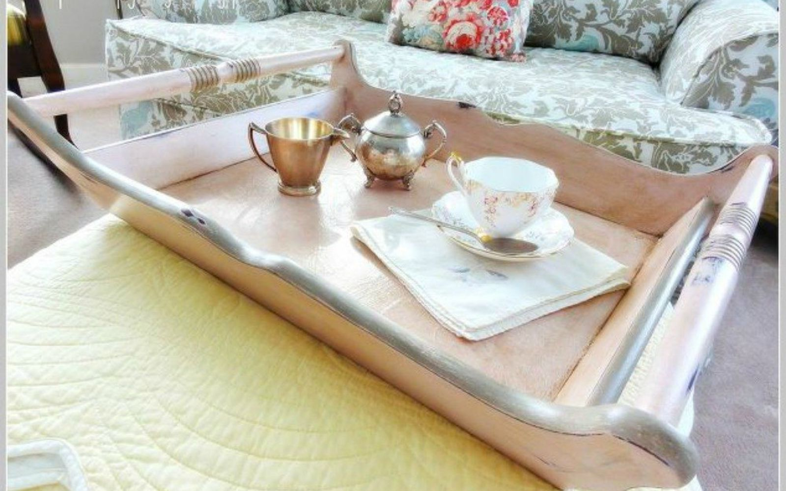 s i hate pink but these makeovers changed my mind , This elegant muted pink serving tray