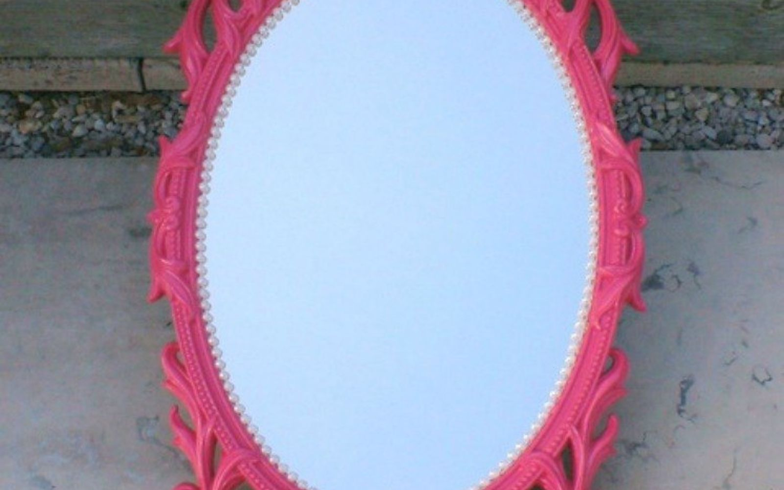 s i hate pink but these makeovers changed my mind , This bold and bright pink mirror