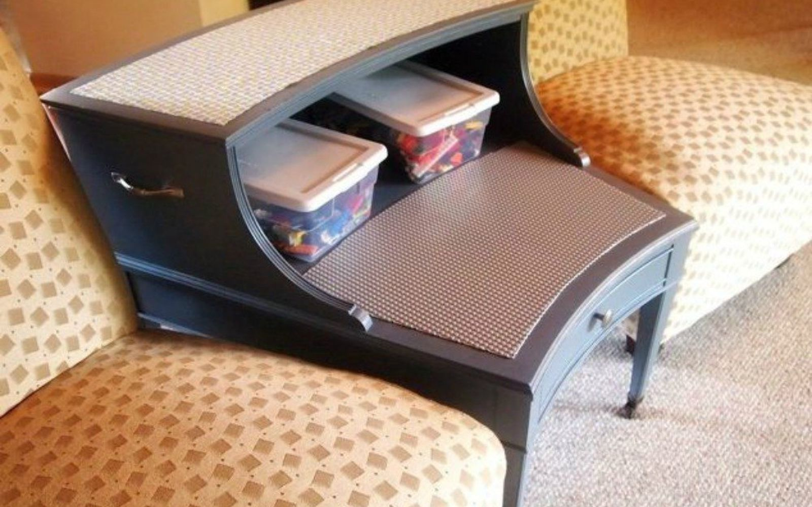 s 11 amazing toy storage ideas from highly organized moms, organizing, storage ideas, Turn an end table into a Lego table